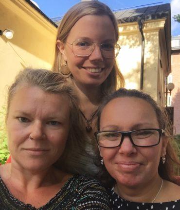 Pernilla Sjöberg, Filippa Gagnér Jenneteg och Elisabet Hurtado Lundberg håller i den pågående utbildningen i Stockholm